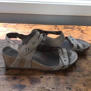 🍬Mephisto Sandals